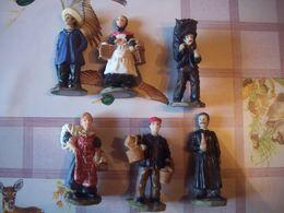 Lot De 6 Santons En Résine Collection André Collet - Figurines