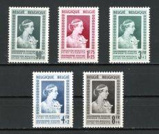 BE   863 - 867   XX   ---   Fondation Médicale Reine Elisabeth  --  Bel état. - Belgium