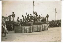 PHOTOGRAPHIES ORIGINALE CHAR CARNAVAL Fèvrier 1927 ( Peut être Béarn Ou Pays Basque) à Identifier - Carnaval