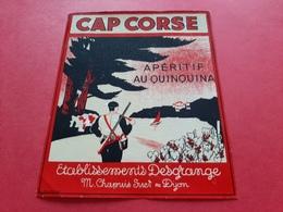 ETIQUETTE ANCIENNE / CAP CORSE / APERITIF AU QUINQUINA / ETABLISSEMENTS DESGRANGE M . CHAPUIS SUCR A DIJON - Etiketten
