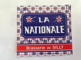 B4 Ancienne Étiquette BIÈRE BELGE  LA NATIONALE  BRASSERIE  BROUWERIJ DE SILLY - Etiquettes