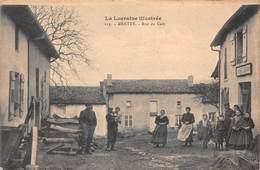 54 - Bratte - Rue Du Café Subtilement Animée - ( Café Brister - Tabac ) - France