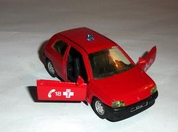 Voiture Renault Clio Pompier - Solido - Non Classificati