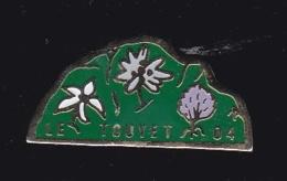 63886- Pin's-Le Touyet  Dans Les Alpes De Haute-Provence - Villes