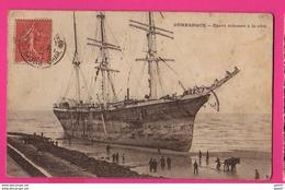 CPA (Ref: Z2181) DUNKERQUE (59 NORD) Épave échouée à La Côte (animée, VOILIER BELLEN) - Dunkerque