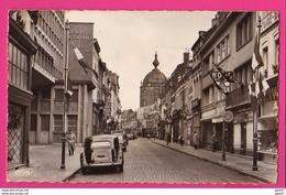 CPSM Petit Modèle (Ref: Z2179) DOUAI (59 NORD13 - Rue Saint-Jacques (animée, Traction, Aronde) - Douai