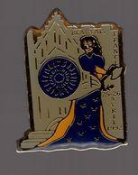 Pin's Jeanne Hachette / Cathédrale De Beauvais 25 26 Avril 1992 - Villes