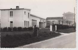 CPSM Courcoury - (L'école Primaire) - Autres Communes