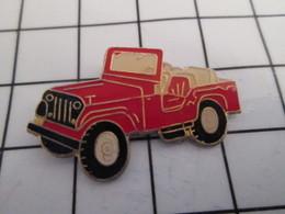 716b Pin's Pins / Beau Et Rare / THEME : AUTOMOBILES / JEEP ROUGE - Autres