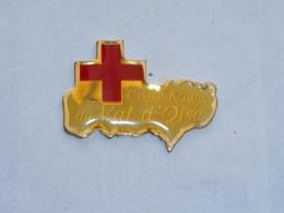 Pin's CROIX ROUGE DU VAL D OISE - Firemen