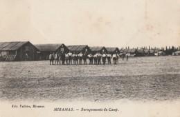 G25- 23) MIRAMAS - BARAQUEMENTS DU CAMP - (ANIMEE - MILITAIRES -  2 SCANS) - France