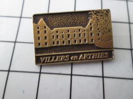 816a Pin's Pins / Beau Et Rare / THEME : VILLES / EN LEGER RELIEF VILLERS EN ARTHIES - Villes