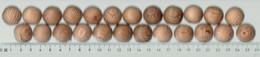 Lot De 24 Boules De Cèdre Aux Propriétés Antimites (Antitarme, Gegenmotte, Anti-moths) - Historische Bekleidung & Wäsche