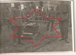 Photo 1914 GRAVELOTTE (près Ars-sur-Moselle) - Soldats Pompiers Allemands Avec Une Pompe à Incendie (A220, Ww1, Wk 1) - Sapeurs-Pompiers