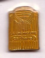 AB285 Pin's Vêtement Habit Habillement Chemise Jaune Rayée La Chemiserie Cacharel Mode Achat Immédiat - Marques
