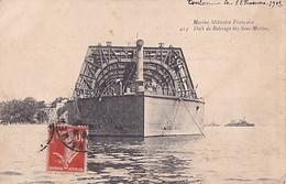 TOULON      DOCK DE RELEVAGE DES SOUS MARINS - Sous-marins