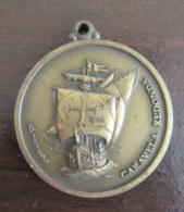 Portugal - Médaille Museu De Marinha / Caravela Redonda - Signée Machado - Diam. 35,5 Mm, Poids 18,7g - Firma's