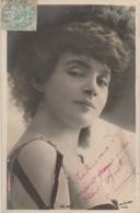 J15- ARTISTE FEMME - FRAU - LADY -  REJANE - PAR REUTLINGER , PARIS - (OBLITERATION DE 1903 - 2 SCANS) - Artisti
