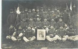 """RARE CARTE PHOTO - MOBILISATION GUERRE DES POILUS 99° RIT CLERMONT-FERRAND - PRTRAIT De JOFFRE - BRASSARDS """"G.C."""" - WW1. - War 1914-18"""
