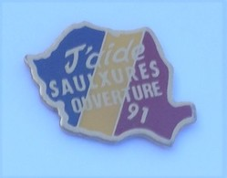 FF217 Pin's Saulxures J'aide La Roumanie Roumania Ouverture 91  Achat Immédiat - Villes