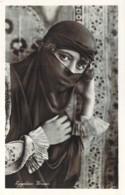 EGYPTE Egyptian Woman Jolies Yeux D'une Jeune Femme égyptienne Sous Le Voile - Egipto