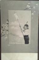 Cpa, Fillette, Jeune Fille, Enfant, Avec- Fanion Ou épuisette Ou Cerf Volant, + Branche Fleurie N° 724, Non écrite - Scenes & Landscapes