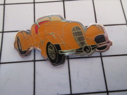 716c Pin's Pins / Beau Et Rare / THEME : AUTOMOBILES / VOITURE ORANGE ANNEES 40/50 ? - Pin's