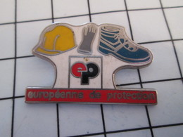 716c Pin's Pins / Beau Et Rare / THEME : MARQUES / CASQUE GANTS CHAUSSURES EUROPEENNE DE PROTECTION - Marques