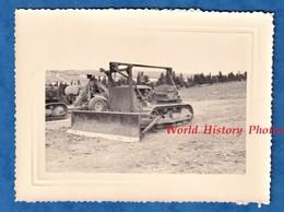 Photo Ancienne - ALGERIE - HUSSEIN DEY ? - Tracteur Militaire Bulldozer - Janvier 1958 - Génie Colonial Guerre Matériel - Guerre, Militaire