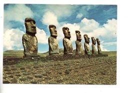 CHILI . ÎLE DE PÂQUES . AHU AKIVI . MONUMENT DES SEPT MOAI - Réf. N°25261 - - Chile