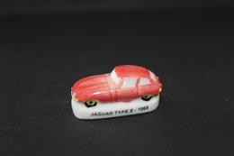Fève De La Série VOITURES ANCIENNES - Jaguar Type E -1966 - (Réf. 001) - Hadas (sorpresas)