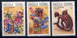 ANGOLA -927/929** - LUTTE CONTRE LE SIDA - Angola