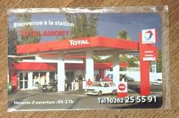RÉUNION STATION TOTAL AMONY CARTE TÉLÉPHONIQUE À CODE DE MARQUE XTS TÉLÉCOM PAS TÉLÉCARTE - Reunion