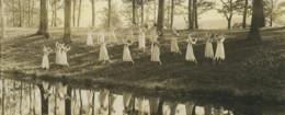USA Boston? Groupe Danseuses En Exterieur Panorama Ancienne Photo 1904 - Places