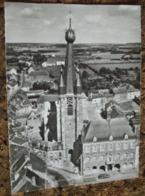 59   -    EN AVION AU DESSUS DE ... SOLRE LE CHATEAU HOTEL DE VILLE ET EGLISE @ VUE RECTO/VERSO AVEC BORDS - Solre Le Chateau