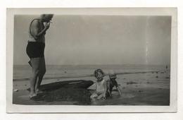 PHOTO ANCIENNE Arcachon 1936 Photographie Bord De Mer Homme Bassin Maillot De Bain Cigarette Enfant - Places