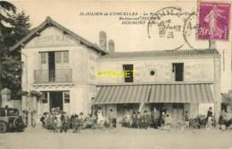 44 St Julien De Concelles, Le Bout Du Pont, Restaurant Secher-Dounont, Terrasse Animée, Tacot... - France