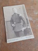 MANN IN DEUTSCHLAND DAZUMAL - SCHLESWIG - CARL HUESELER - STOLZER OFFIZIER MIT ZIGARETTE - RAR - Krieg, Militär