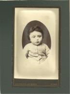 Photographie Cdv Enfant Photographie Viréenne Charles Jacques Bd Pierre Landais à Vitré Photo En Relief Bombé - Anciennes (Av. 1900)