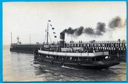 CPA CARTE-PHOTO (62 BOULOGNE-sur-MER) (La Jetée - Bateau Sortant Avec Son Panache De Fumée) - Boulogne Sur Mer