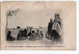 A NIORO * SOUDAN * INDIGENES AUTOUR D'UN KENELALA (sorcier Prédisant L'avenir) - Sudan