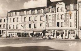 CPSM - Saint-Malo 35 - Boulevard Des Talards, Les Hôtels De La Gare - Saint Malo