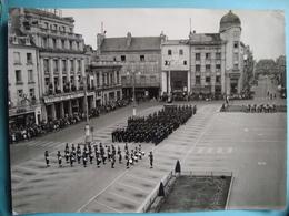 """86 - POITIERS - Photo Grand Format 18cm X 24cm - Cérémonie Militaire - Photo """"La Nouvelle République"""" - Poitiers"""