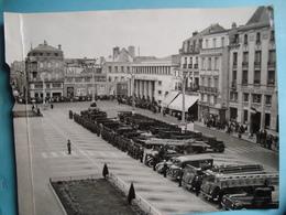 """86 - POITIERS - Photo Grand Format 18cm X 24cm - Cérémonie Militaire - Pompiers - Photo """"La Nouvelle République"""" - Poitiers"""
