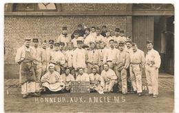 Militaires - Guerre 1914 / 1918 - 129  Eme RI - Honneurs Aux Anciens -  Carte Photo  - CPA° - Guerre 1914-18