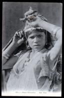 CPA ANCIENNE- MAROC- JEUNE MAROCAINE SEIN NU- PORTRAIT TRES GROS PLAN- - Marruecos