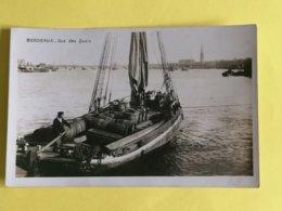 33 BORDEAUX CARTE PHOTO-VUE DES QUAIS ANIMEE GABARRE AVEC SES BARRIQUES - Bordeaux