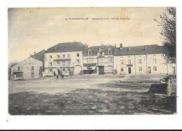 Florenville  ( M 4051 )   Magasin AD.Delhaize & C° A Cote De L ' Hotel & Pompe A Eaux A Droite De La Carte TOP - Florenville