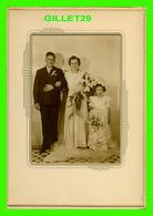 PHOTO DE MARIAGE DE MONIQUE & GÉRARD CHOQUETTE DE GRANBY - DIMENSION 7 X 10 POUCES - - Personnes Identifiées