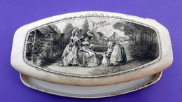 Boîte Shabby CHic En Soie - PIERRE  14/1/1923  -  Reine Marie Antoinette, Le Dauphin - Moulin à Eau - Boîtes/Coffrets